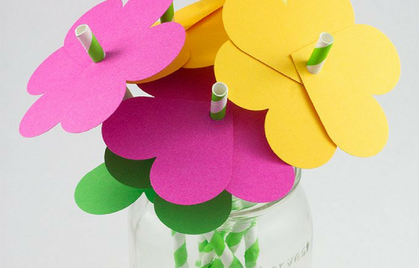 Enjoying playtime in the sunshine? The kids can sip on a refreshing drink using these DIY flower straws.