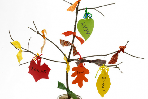 Help your kids keep the spirit of the season with this Thanksgiving tree.
