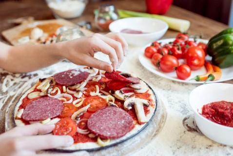 DIY Tortilla Pizza