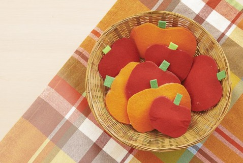 A SEASONAL CRAFT TO SHOW OFF FALL FRUITS