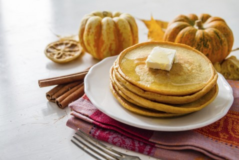 Help your kids develop a love of pumpkin (just like you and your pumpkin spice latte!) with these easy pumpkin pancakes.